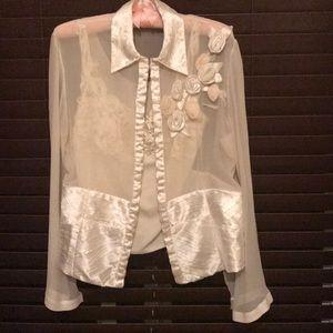 Tops - Cream blouse very elegant